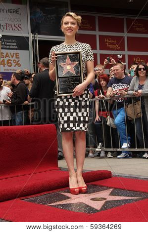 LOS ANGELES - MAY 01:  Scarlett Johansson arrives to the Walk of Fame Ceremony for Scarlett Johansson  on May 01, 2012 in Hollywood, CA