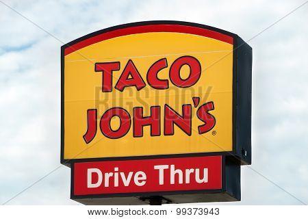 Taco John's Exterior And Sign