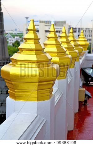 Roof  Gold    Temple     Bangkok  Sky Line  Temple