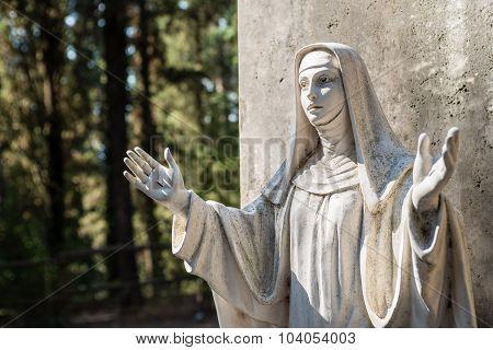 Santa Caterina Statue