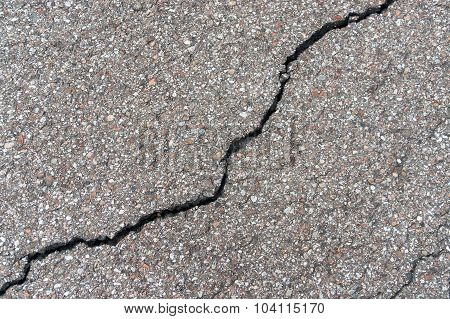 Fissured Asphalt