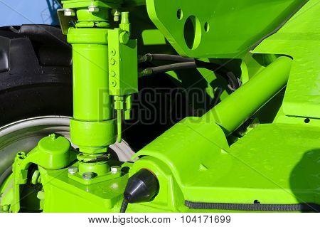 Tractor hydraulic suspension
