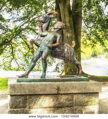 Boy and goat sculpture (1925). Stavanger.