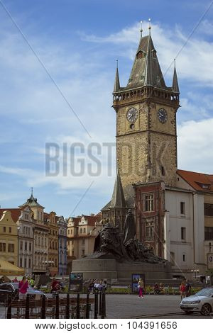 Old Town Square, The old town hall and monument of Jan Hus