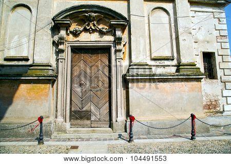 Italy Church Santo   Varese  The Old Door Entrance