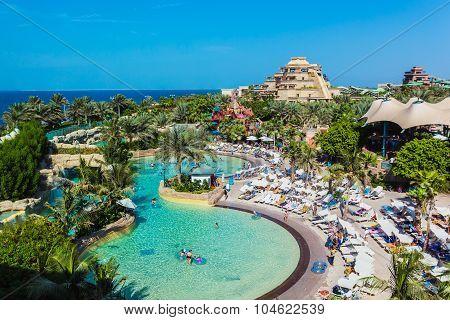 The Aquaventure Waterpark Of Atlantis
