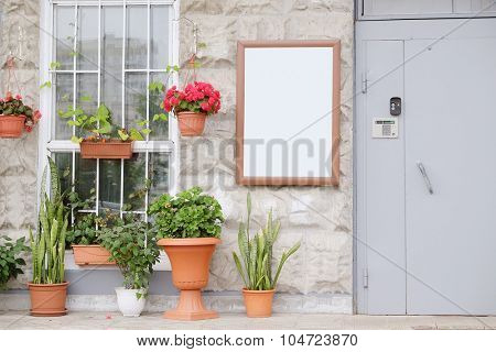 The image of the entrance of a house