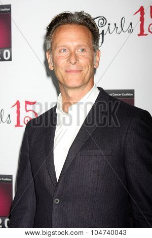 LOS ANGELES - OCT 11:  Steven Weber at the Les Girls 15 at the Avalon Hollywood on October 11, 2015 in Los Angeles, CA