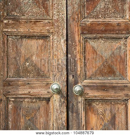 Santo An In A  Door Curch  Closed Wood Lombardy Italy  Varese