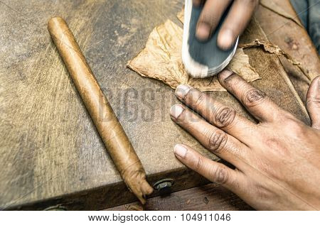 Real Production Of An Handmade Cigar - Little Havana