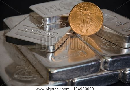 United States Saint-gaudens Gold Coins On Silver Bars