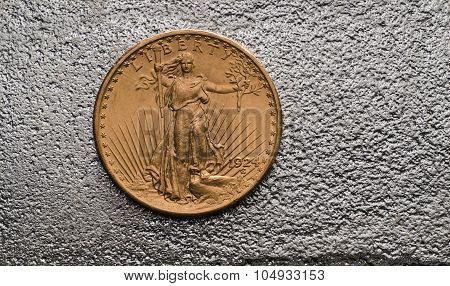 Us Gold Coin Saint-gaudens Double Eagle On Silver Bar