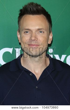 LOS ANGELES - AUG 12:  Joel McHale at the NBCUniversal 2015 TCA Summer Press Tour at the Beverly Hilton Hotel on August 12, 2015 in Beverly Hills, CA