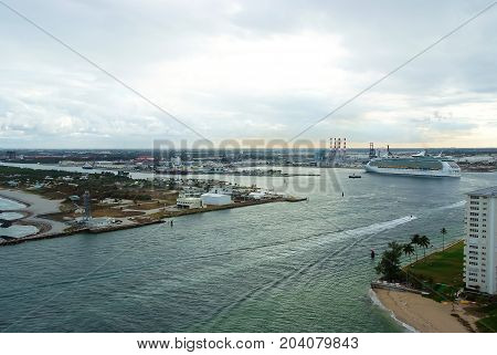 Marine Seascape Under Cloudy Sky Background In Fort Lauderdale, Usa