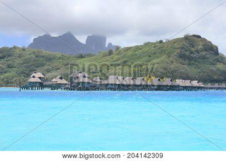 Bora Bora Bungalows And Mount Otemanu