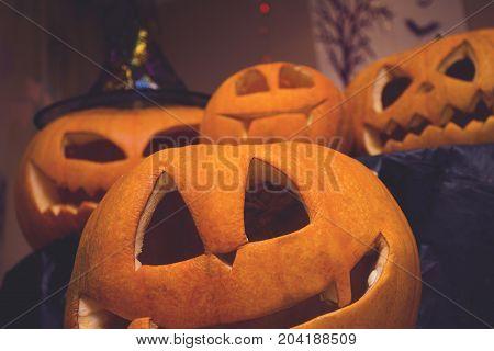 jack-o-lantern halloween pumpkin family take a selfie