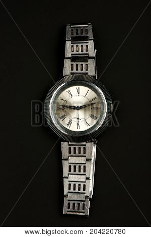 watches, watches on a black background, time, second