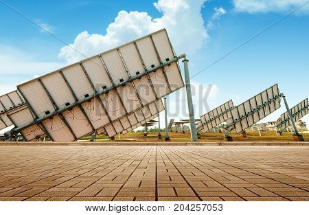Multiple solar panels pollution-free green energy base.