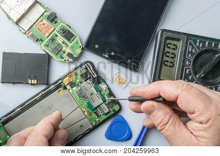Broken Cell Phone Repair