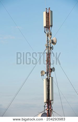 antenna feeder equipment for mobile communications and wireless Internet network access