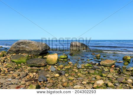 Rocky beach, Montauk Point, Long Island, New York