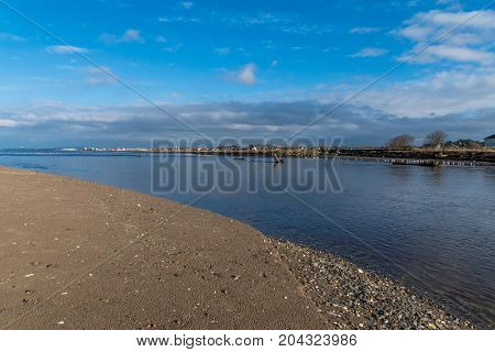 The River Doon flows into the Firth of Clyde.