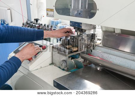 Machine For Manual Cutting Cable