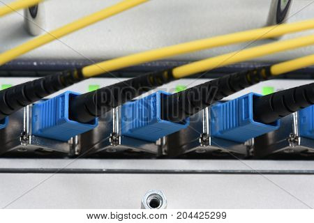 Optical line unit with fiber optical network cables patch cords