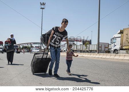 Syrian Refugees Entering Turkey