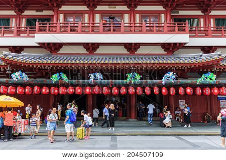 SINGAPORE - AUG 22 : unidentified people visited The Buddha Tooth Relic temple on August 22 2017