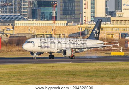 Airbus A320 Lufthansa Airlines, Airport Pulkovo, Russia Saint-petersburg October 30, 2014