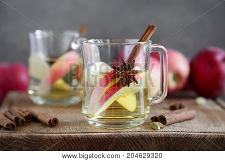 Apple hot cider with maple syrup and spices