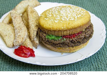 Dessert Imposter Hamburger And Fries
