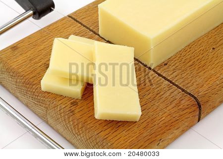 Close View Reduced Fat Sharp Cheddar Cheese