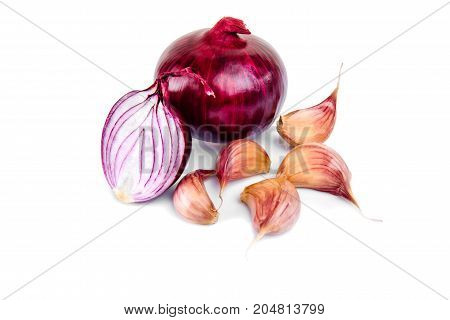 Red onion, garlic and half slice on white isolated background with reflect.
