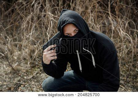 Psychosis Robber Man Point Gun To His Head