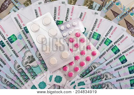Russian rubles and pills for the treatment