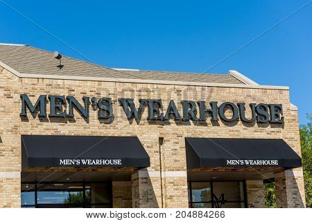 Madison WI - 13 September 2017: Men's Wearhouse exterior sign.
