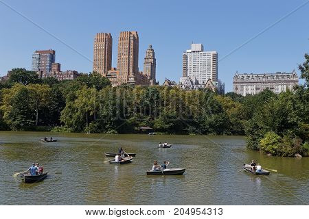 New York City, Usa, September 10, 2017 : Central Park Lake. Central Park Is The Most Visited Urban P