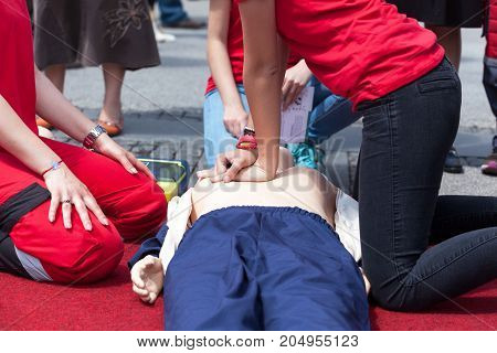 First aid. Cardiac massage training. Cardiopulmonary resuscitation - CPR.