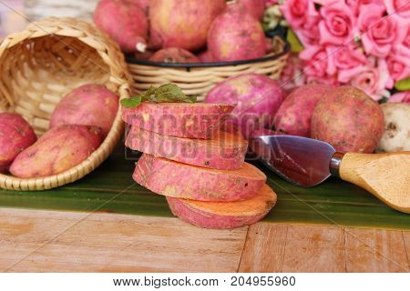 Fresh yam and slice for is cooking