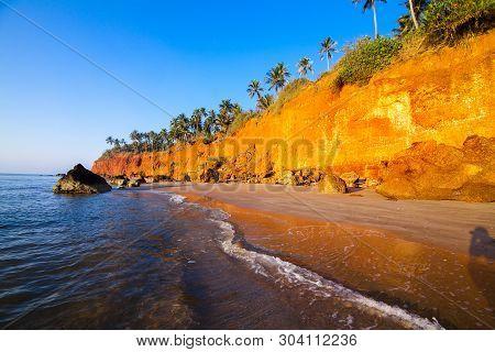 Red Cliffs Beach At Ban Pha Daeng, Bang Sa Phan (fung Daeng) Prachuabkirikhan Province, Thailand.