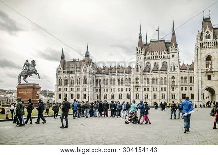 Budapest, Hungary - 24 August, 2018: View On The Laos Kosut Square And Hungarian Parliament Building