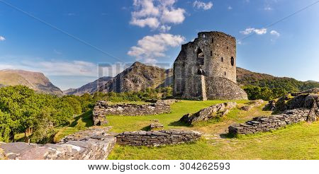 Llanberis Gwnedd Wales May13, 2019 13th Century Picturesque Ruins Of Dolbadarn Castle, And The Mouna
