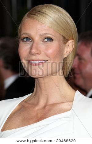LOS ANGELES - FEB 26:  Gwyneth Paltrow arrives at the 84th Academy Awards at the Hollywood & Highland Center on February 26, 2012 in Los Angeles, CA.