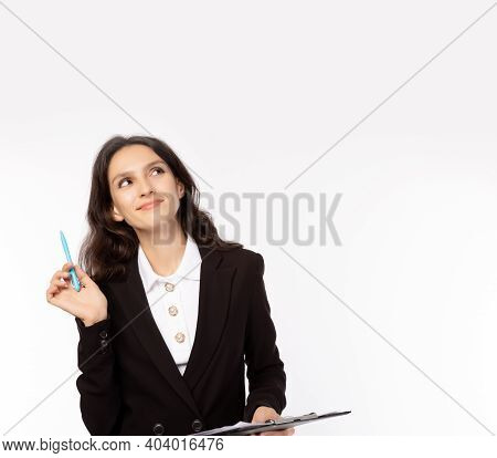 Happy Businesswoman Planning Of Business And Thinking Good Idea Beautiful Woman Looking Up To Copy S