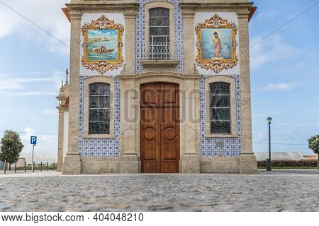 Mar, Esposende Near Braga, Portugal - October 21, 2020: Architectural Detail Of The Church Of S. Bar