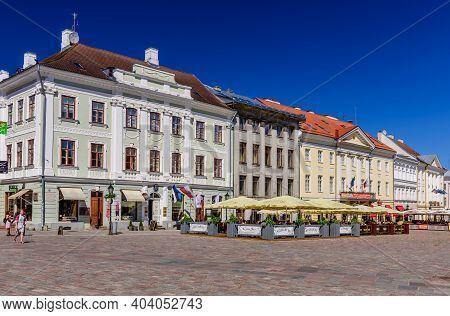 Tartu, Estonia - June 2, 2018: Historical Centre Of Tartu. Beautiful Old Buildings On The Town Hall