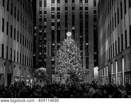 Tourist Visiting The Rockefeller Center Christmas Tree For The Holiday Season. 1/22/2021