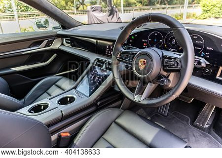 Porsche Taycan Turbo S 2020 Interior